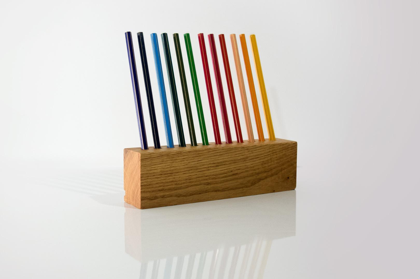 Wunderschöner Stiftehalter aus Eichenholz für den Schreibtisch und Büromotivation