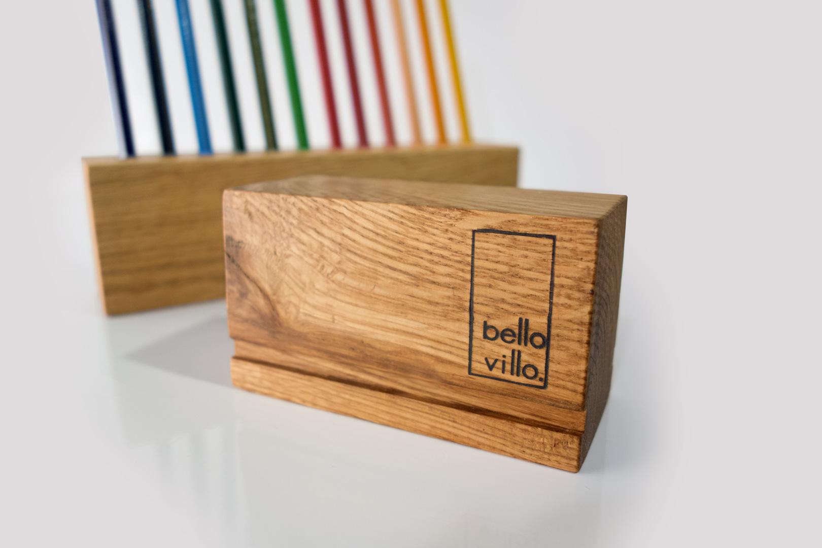 Qualitätsmerkmal der Stiftehalter ist das Brandlogo von bellovillo.de